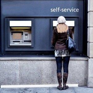 Korzystasz z bankomatów? Uważaj na prowizje!