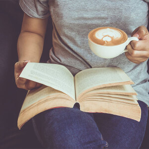 Czytnik książek – ile kosztuje i komu się przyda?