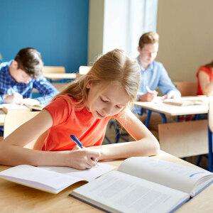 Ile kosztują podręczniki i wyprawka szkolna?