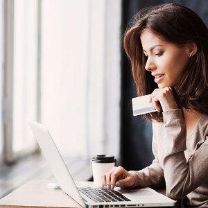 Jak nie płacić za korzystanie z karty płatniczej?