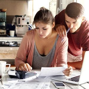 Jak zmniejszyć swoje miesięczne wydatki?