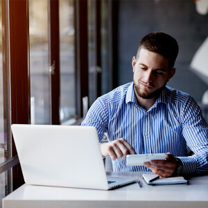 Płatności bezgotówkowe – stacjonarnie i online