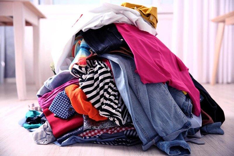 Porządki w szafie – co zrobić z niepotrzebnymi ubraniami?