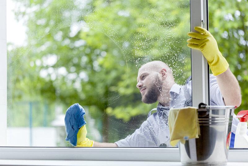 Urządzenia do mycia okien – czy warto je mieć i ile kosztują?